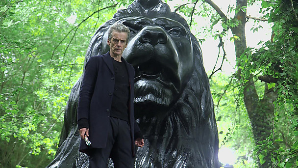 "Doctor Who ""In the Forest of the Night"" Review - Point/Counterpoint - Spoilers!"