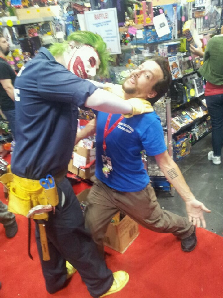 NYC Comic Con - The Buzz behind the Booth ~ What'cha Reading?
